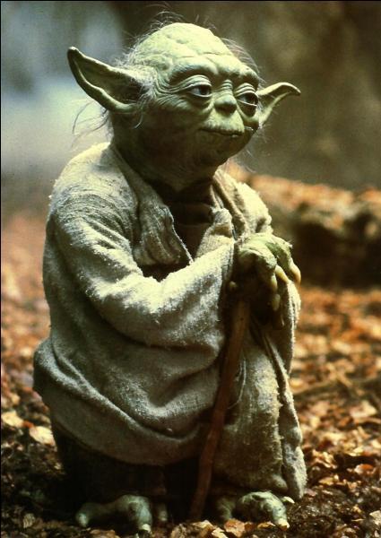 De quelle couleur est le sabre de Yoda ?