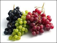 Le raisin est un fruit que l'on récolte en grappes, c'est de ce fruit qu'est produit le vin. Qu'est aussi le raisin ?