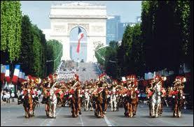 En France, la fête nationale commémore la prise de la Bastille le 14 juillet 1789.