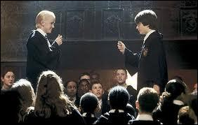 Quel sortilège n'est pas lancé par Harry et Drago lors du club de duel ?