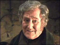 Où Cornelius Fudge emmène-t-il Hagrid ?