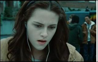 Comment Bella découvre t-elle qu'Edward est un vampire ?