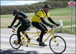 Entre les deux, ça va à contre-courant ! Quelle ville fut l'arrivée de la première étape du premier Tour de France (1903) ?