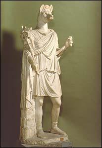 Avec la domination de Rome, ce genre de statues étonnantes se met à fleurir partout dans le pays... Quelle est sa particularité ?