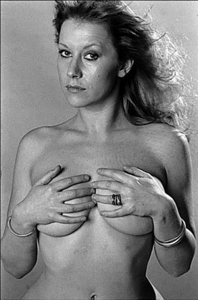 Au cinéma, elle a incarné la reine Eizabeth, ça ne l'empêche pas de pratiquer le naturisme !