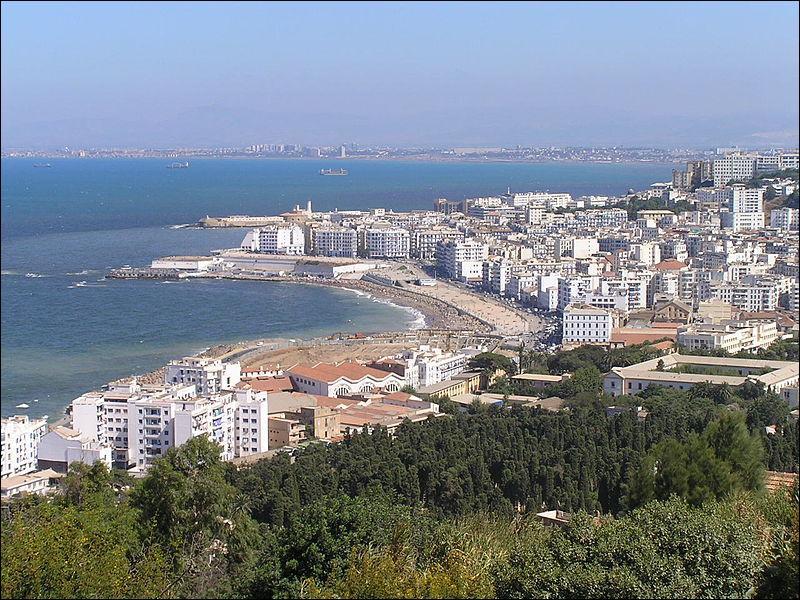 Le 5 juillet 1830, quelle ville d'Afrique du Nord est prise par les Français et marque le début de leur colonisation de l'Algérie ?