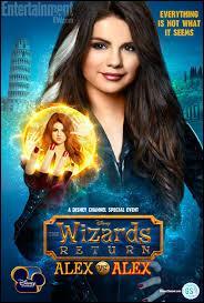 Dans  Les Sorciers de Waverly Place : Alex vs Alex , Selena (Alex) est-elle la gentille ou la méchante ?