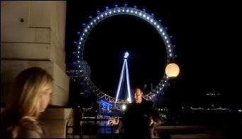 (Saison 1, épisode 1) Qu'a dit le docteur quand il a vu la grande roue ?