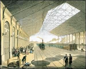 Mon règne est marqué par l'achèvement de la construction du réseau ferroviaire français. En 1851, le pays ne compte que 3 500 km de voies, mais à la fin de mon règne le kilométrage du réseau ferré français s'étend sur combien ?