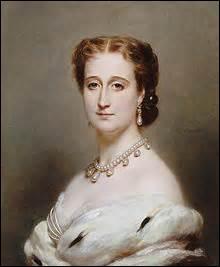 En 1849, je fait la connaissance de la jeune comtesse de Teba lors d'une réception à l'Élysée, je l'épouse civilement aux Tuileries le 29 janvier 1853 puis le 30 religieusement à Notre-Dame, quel est le prénom de l'impératrice ?