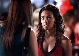 À quel endroit Bonnie parle-t-elle de ses pouvoirs pour la première fois avec Elena ?