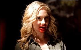 À quel endroit Caroline reçoit-elle une fléchette avec de la verveine ?