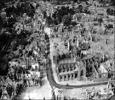 Pour tromper les Allemands, les alliés utilisèrent une stratégie particulière dans leur façon de bombarder cette région. Quelle fut cette stratégie ? (suite de la question 3).