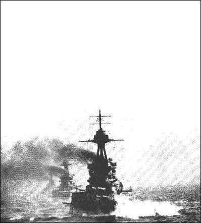 Parmi ces trois bâtiments de guerre français, un seul ne « survécut » pas, il fut sabordé par les alliés pour les opérations Mulberries. . A vous de ne pas saborder les 2 autres. .
