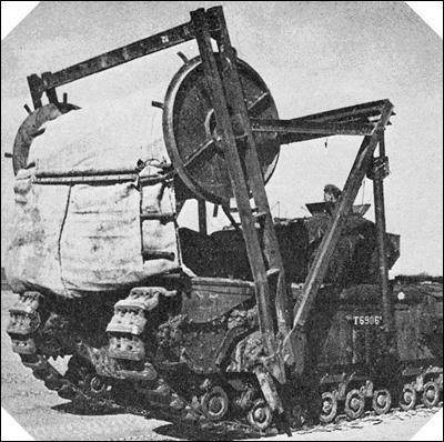 Les troupes britanniques utilisèrent certains types de chars bien particuliers (appelés les « funnies » de Percy Hobart). Ils étaient utilisés pour aider à la traversée des plages du débarquement. Sauriez-vous reconnaître celui qui a existé avec sa véritable fonction ?