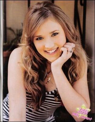 Quel personnage joue Emily Osment dans  Hannah Montana  ?