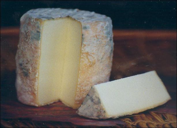 Comment s'appelle ce petit fromage de Saône-et-Loire au nom curieux ?