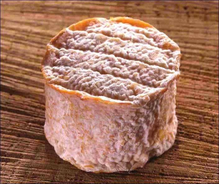 Quel est ce fromage de la vallée du Rhône, venu d'un endroit produisant aussi un vin parfumé et subtil ?
