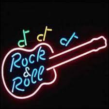 Rock and Roll is back again  était chanté par :