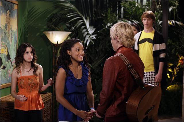 De qui Austin est-il amoureux dans la saison 2 ?
