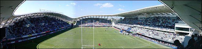 Lorsque je joue à domicile, je joue au Stade Yves-du-Manoir. Mon palmarès se résume à une première place en Pro D2 en 2003, et une finale de Top 14 en 2011. Ma ville est une grande ville de sport, dans laquelle l'équipe de football s'est illustrée en 2012, et qui a en son sein le club français le plus titré en handball masculin. Je suis ...