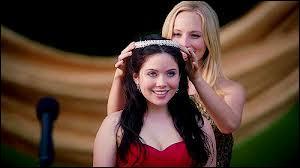 Qui va être élue Miss Mystic Falls et succédera à Caroline Forbes ?