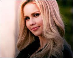 Qui va planter une dague dans le cœur de Rebekah ?