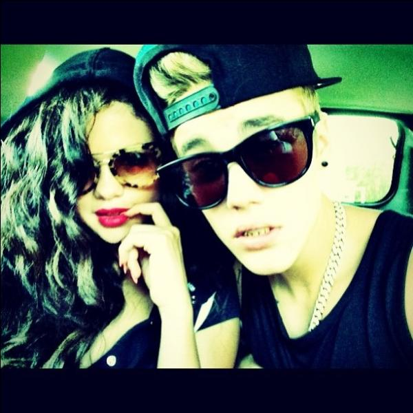 Justin Bieber a mis une photo de lui et Selena sur Instagram alors qu'ils n'étaient plus ensemble, ce qui a beaucoup fait parler. Quel Hashtag était mis en tant que description ?