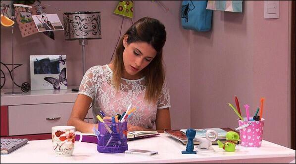 Que va apprendre Violetta de sa famille ?