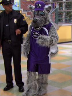 Comment s'appelle la mascotte du lycée ?