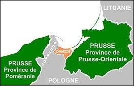 Quelle ville libre  de l'ex-territoire allemand garantit l'accès à la mer Baltique à la Pologne ?