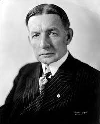 Comment s'appelle le plan économique élaboré par les américains en 1924 facilitant les conditions de remboursement pour l'Allemagne ?