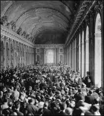 Dans quel lieu prestigieux du château de Versailles le traité a-t-il été signé ?