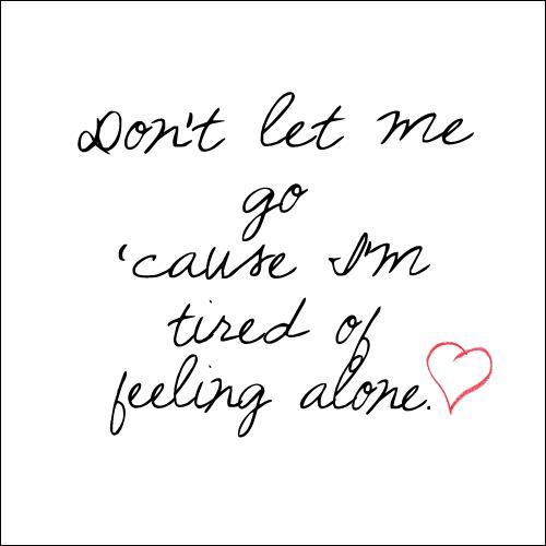 Qui a écrit les paroles de 'Don't Let Me Go' ?