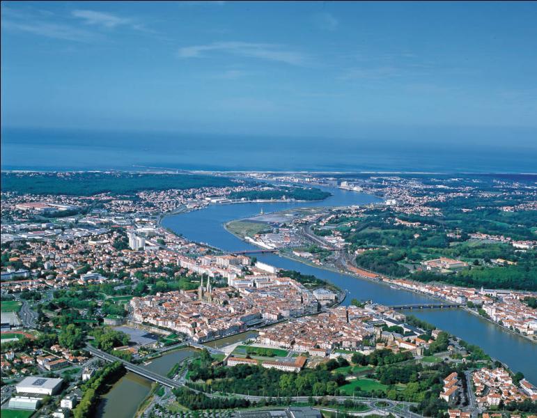 Quizz d partements du sud de la france quiz villes geographie departements - Piscine haut de bayonne ...