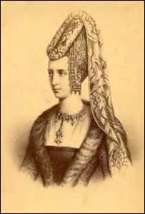 Je me nomme Élisabeth de Wittelsbach-Ingolstadt, mais on me surnomme Isabeau de Bavière . Je suis née en 1371 (de Étienne III de Wittelsbach de Bavière et de Taddéa Visconti, fille du duc de Milan) et décède le 24 septembre 1435 à l'hôtel Saint-Pol à Paris. J'épouse en 1385 le roi :