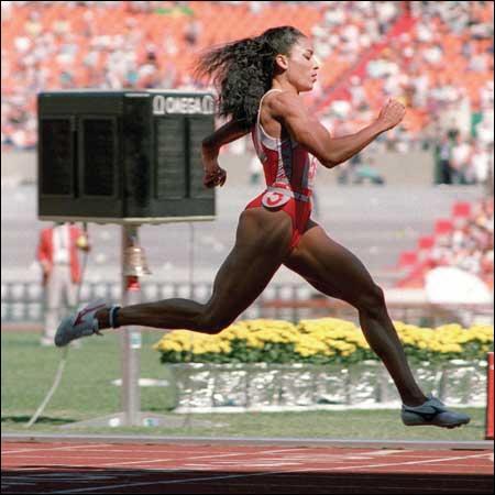 Quel est le record du monde de Florence Griffith-Joyner sur 100 mètres chez les dames ?