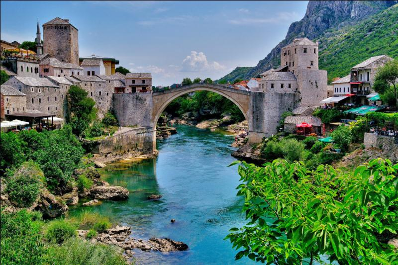 Quelle est la religion la plus pratiquée en Bosnie-Herzégovine ?