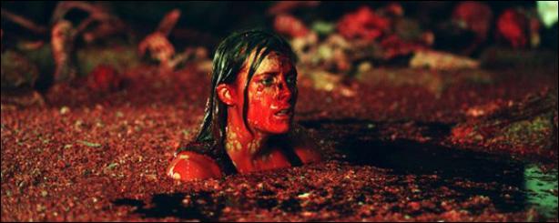 Film britannique : Six jeunes femmes, passionnées de spéléologie, se trouvent confrontées à des bébêtes, plutôt cannibales sur les bords !