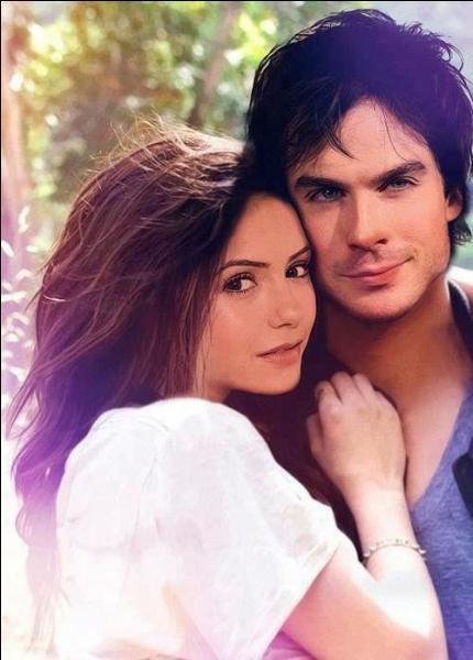Damon est amoureux de :