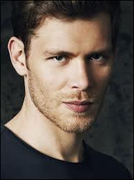 Klaus est amoureux de :