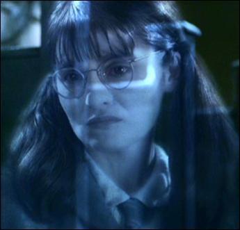 Quand Harry et Ron rencontrent-ils Mimi Geignarde pour la première fois dans le livre ?