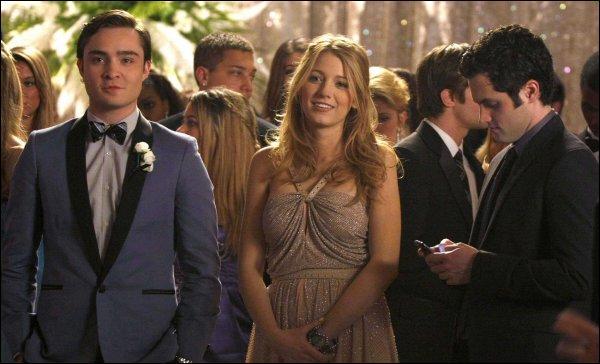 Combien de fois Chuck a-t-il voté pour Blair lors du bal de promo afin qu'elle soit élue reine ?
