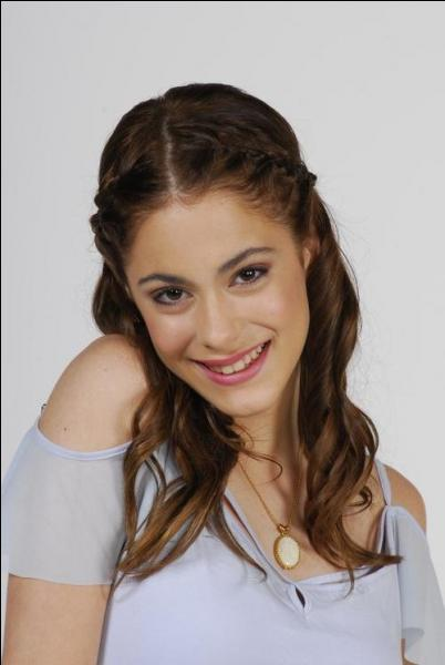 Comment s'appelle l'actrice qui incarne Violetta ?