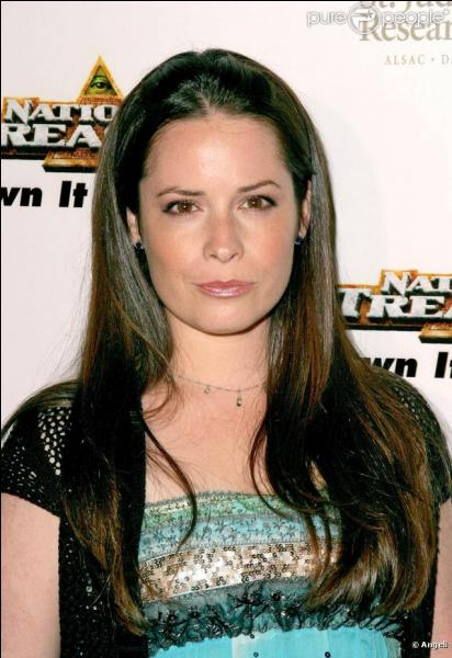 Ella Montgomery ( Holly Marie Combs ) a aussi joué dans . .
