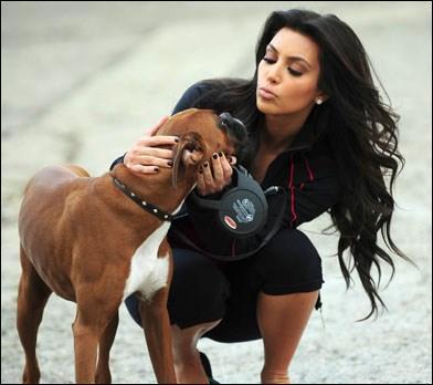 Quelle opération de chirurgie esthétique Kim Kardashian a-t-elle offerte à Rocky, son boxer ?