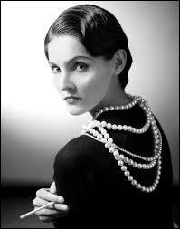 Quel habit est emblématique de Coco Chanel ?