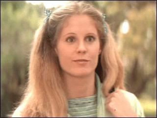 Comment s'appelle la première amie de Laurie ?
