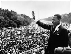 Quelle grande manifestation pacifiste a-t-il organisée en 1963 , réunissant plus de 250. 000 personnes ?