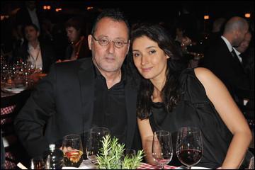 Le 29 juillet 2006, Jean Reno épouse en troisièmes noces le top model britannique Zofia Borucka aux Baux-de-Provence. L'acteur a choisi pour témoins ...
